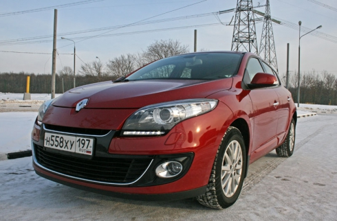 Renault Megane (2.0 AT)