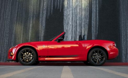 Mazda и Fiat подписали соглашение о производстве нового Alfa Romeo Roadster