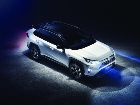 Мировая премьера нового поколения Toyota RAV4
