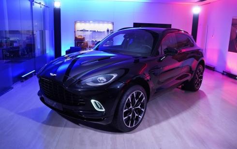 Первые клиенты получат автомобиль Aston Martin DBX в июне 2020 года
