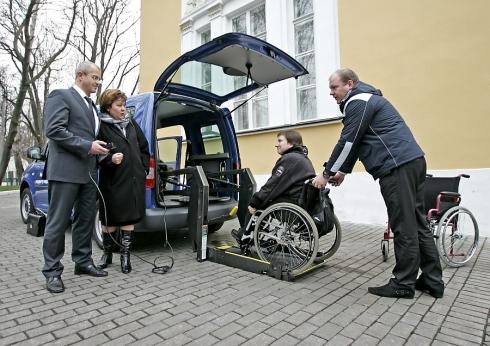 Volkswagen Коммерческие автомобили поддерживает матерей-инвалидов
