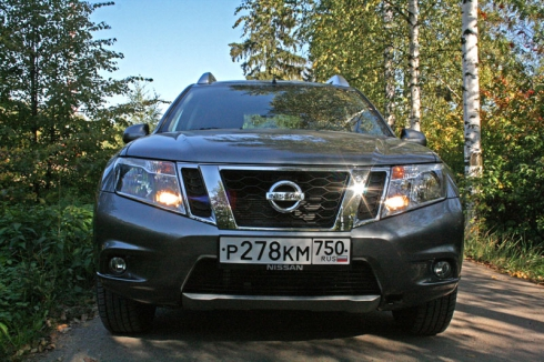 Тест-драйв Nissan Terrano (2WD 2.0 AT)