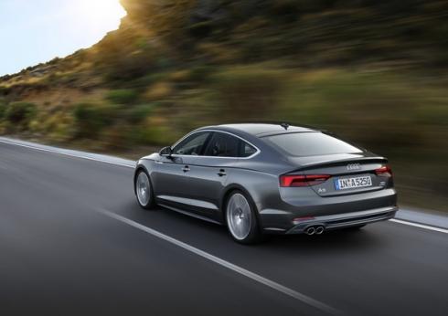 Награды Audi с декабря 2017 года