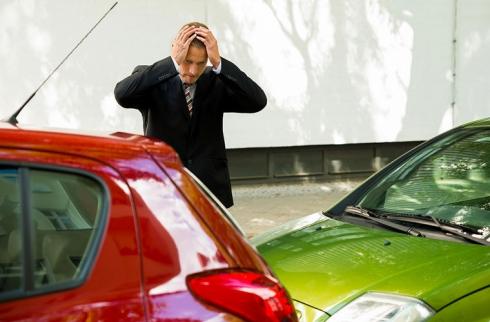 «Автоподставы»: как защитить себя от мошенников на дороге