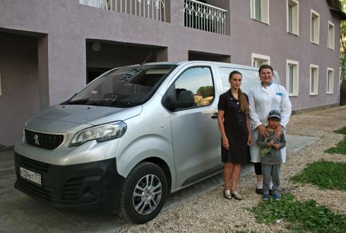 Помощь православному Приюту вместе с Peugeot Expert
