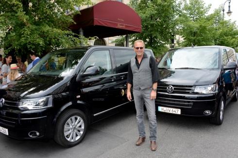Кевин Костнер выбирает Volkswagen Multivan