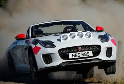 Jaguar представил два раллийных F-Type