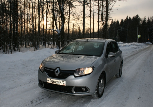 Тест-драйв: Renault Sandero New (1,6 MT)