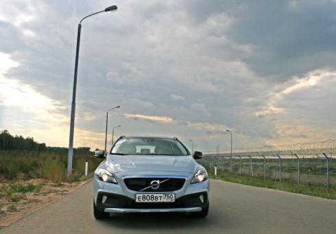 Тест-драйв «вне очереди»: Volvo V40 Cross Country (D2)