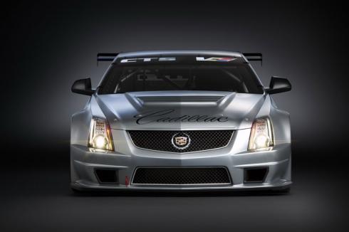 Фотографии гоночного болида Cadillac CTS-V Coupe